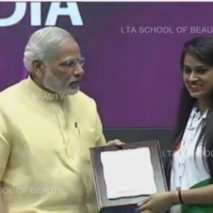 Neha-Chande-With-PM-scaled
